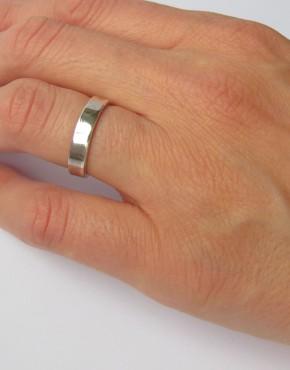 Ring Flat